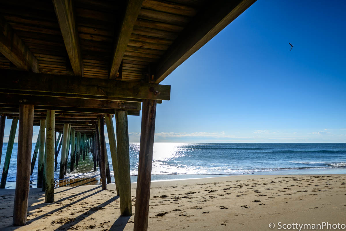 A morning image of the Virginia Beach Fishing Pier.